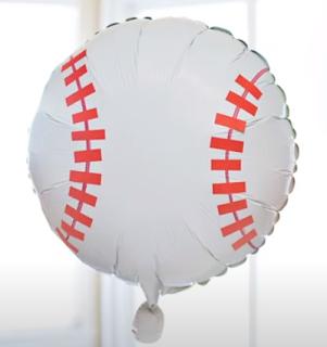 Folienballon im Baseballdesign.