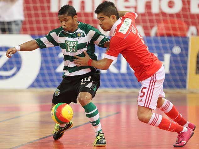 0eecdb8901 Futsal  Sporting vence na Luz e pode ser campeão amanhã  Benfica sem  soluções de jogo para contrariar superioridade leonina  enorme exibição de  Alex