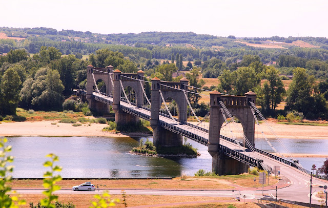 medeltidsbro över Loire