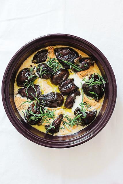 Mini-Auberginen mit geräuchertem Mozzarella aus der Tajine | Arthurs Tochter kocht. Der Blog für Food, Wine, Travel & Love von Astrid Paul