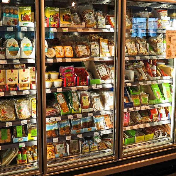 Belanja di Supermarket Vs Belanja di Grosir