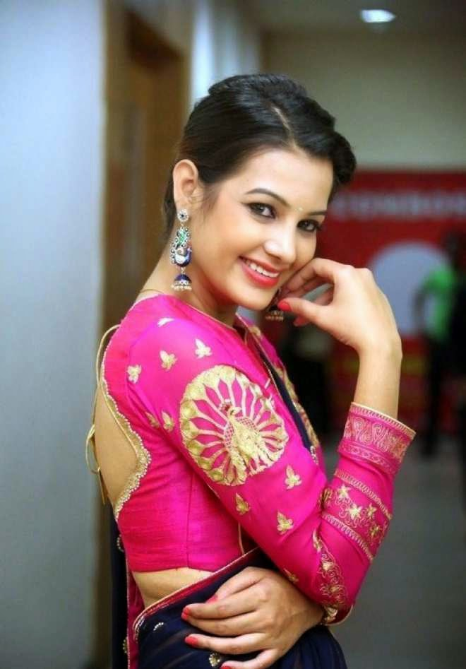 Diksha Panth Latest Navel Show Photos