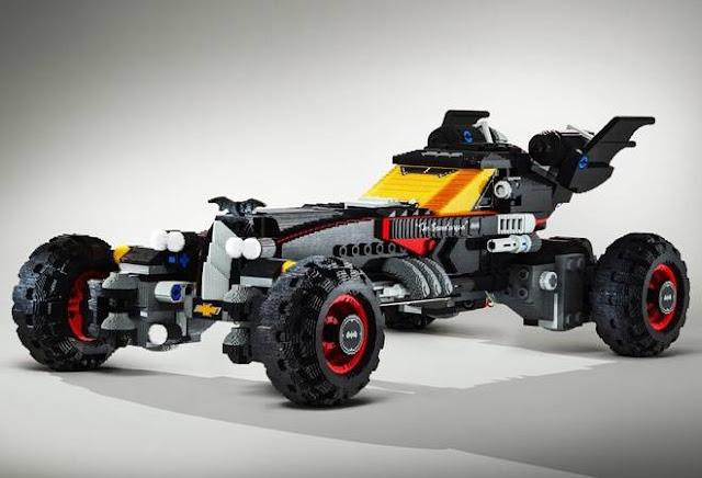 Batmóvel em tamanho real de Lego (Imagem: Reprodução/Cool Material)