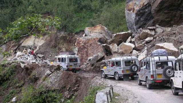 427 Tourists Stranded After Cloudburst Evacuated From North Sikkim