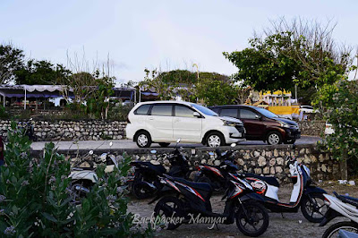 Area parkir Pantai Geger