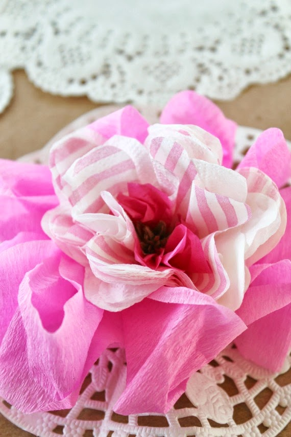 Budget Party DIY's: How to make paper flowers. www.lovethatparty.com.au