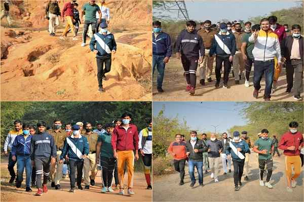 faridabad-cp-opsingh-tracking-aravali-jangal-with-youth-12-january