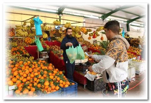 أسواق شعبية بالدار البيضاء ترفع أسعار الخضر في غياب المراقبة