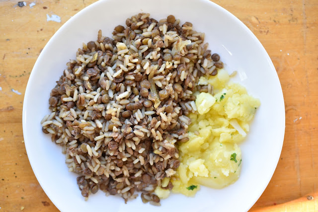 Lentils and Rice from Woman in Real Life; one of my fave recipes of all time! #vegan