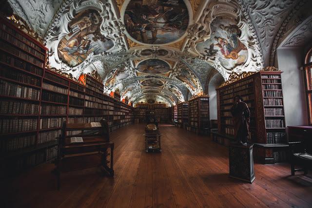 βιβλιοθήκη 1