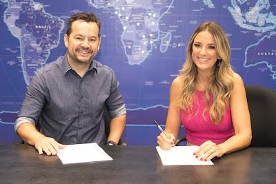 Foto: Ticiane Pinheiro e o superintendente artístico e de programação da Record TV, Paulo Franco.  Crédito: Antonio Chahestian/ Record TV