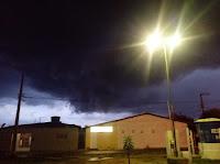 Chove forte em Nova Palmeira no início da noite desta sexta-feira