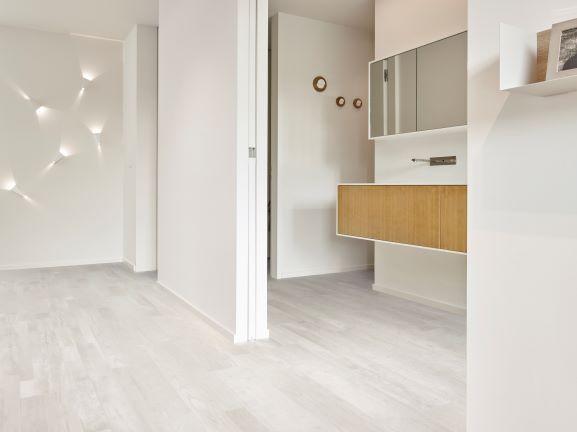 best hybrid flooring