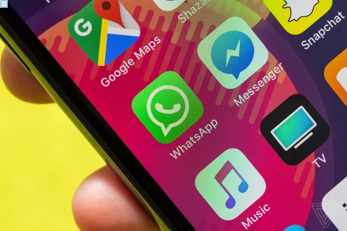 واتساب يؤجل سياسة الخصوصية الجديدة وسط ارتباك جماعي حول مشاركة بيانات Facebook