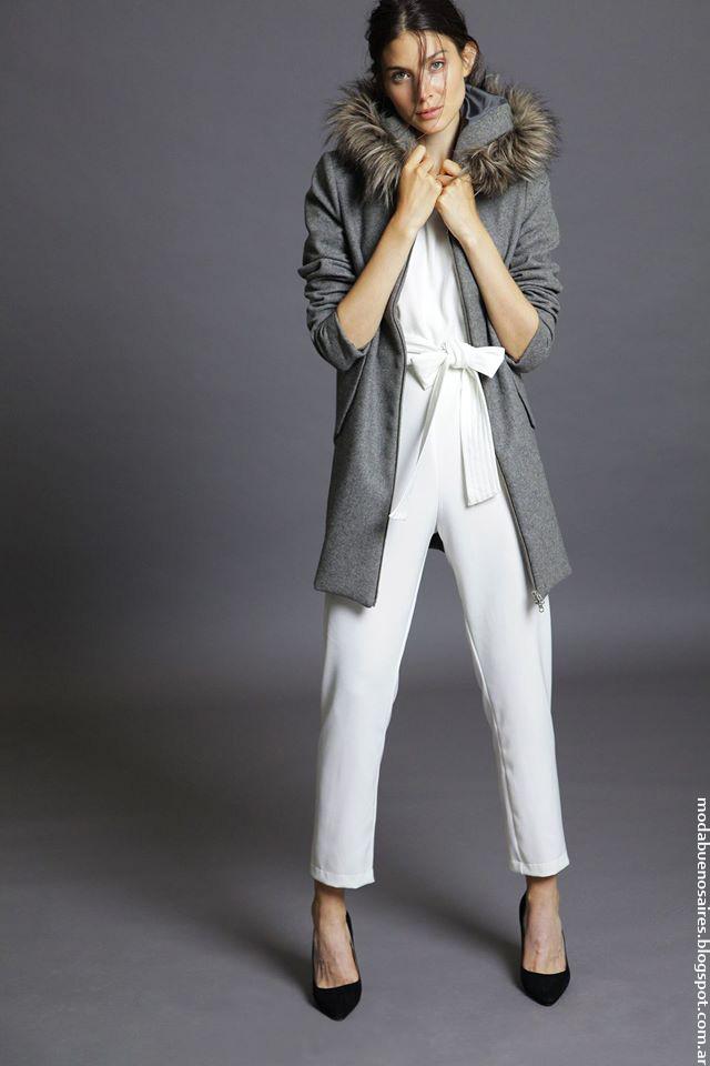 Camperas y tapados invierno 2016 ropa de mujer Awada. Moda 2016.