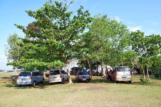 Lahan parkir di Danau Gedang Bengkulu