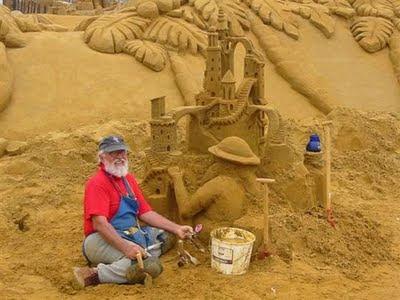 Escultura en la playa