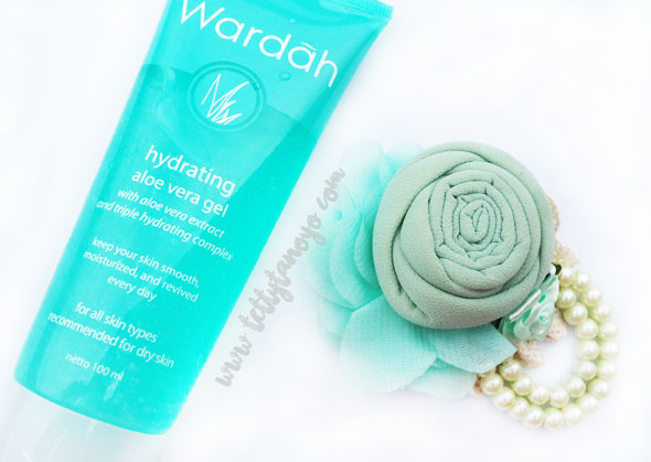 review wardah hydrating aloe vera gel solusi kulit kering