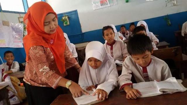 Nadiem : Kesejahteraan Guru Honorer Perhatian Utama, Ada 150 Ribu Guru Memiliki Beban Mengajar Lebih