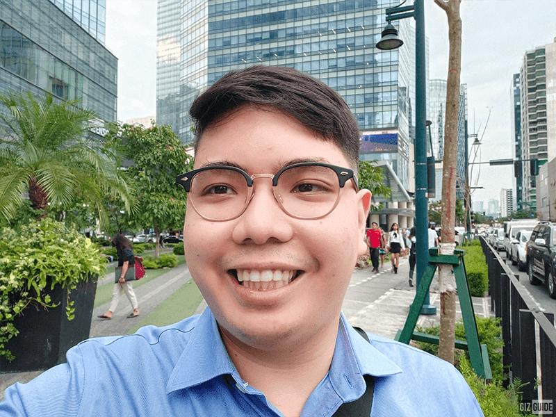 Daylight selfie with Face Beauty