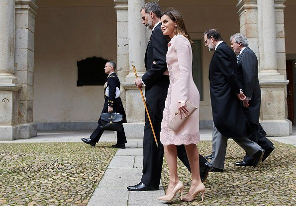 Nicaraguan author Sergio Ramirez Mercado was deemed worthy of this year's Miguel de Cervantes' literature award. Letizia wore felipe Varela dress