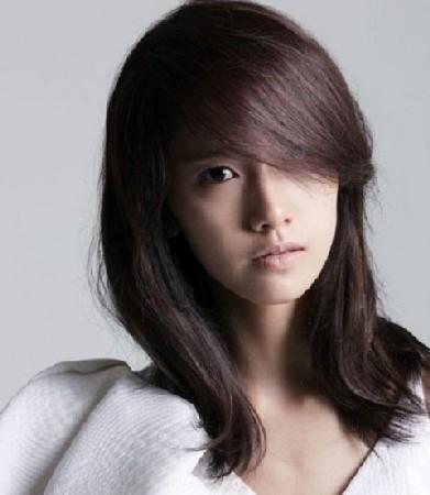 Model Rambut Segi Panjang dan Tipis