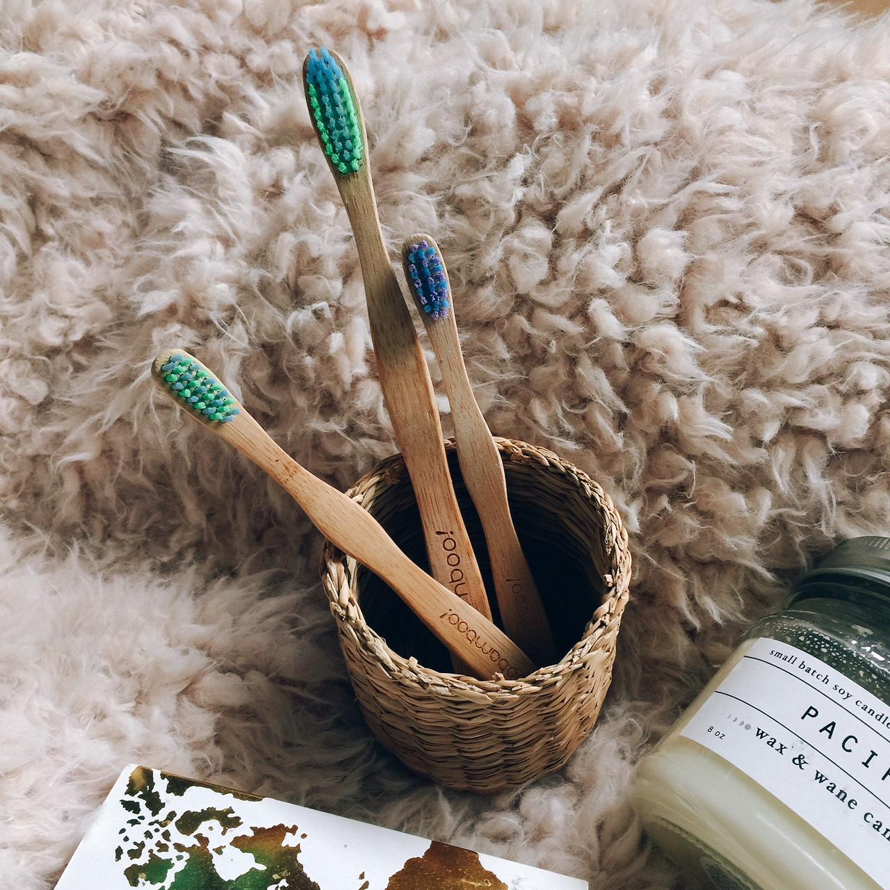 portland blogger, monthly favorites, fashion, beauty, music sza, bamboo toothbrush, white turtleneck, boohoo, online shopping