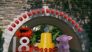 Murray and Ovejita 18 apples, Sesame Street Episode 4304 Baby Bear Comes Clean