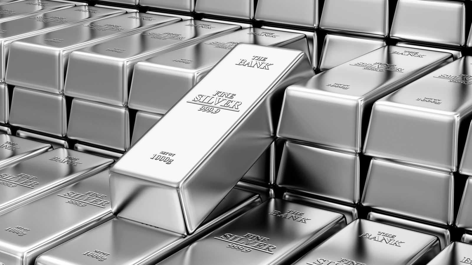 """ارتفاع أسعار الفضة إلى أعلى مستوى لها خلال ست سنوات بسبب رهان """"الانتعاش الأخضر"""""""