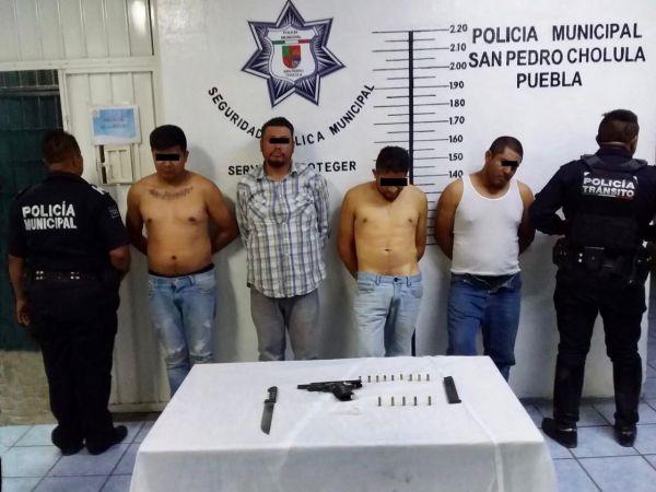 Detiene policía de Cholula a 4 hombres por portación ilegal de arma de fuego