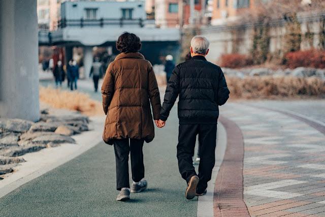 رعاية المسنين - الفوائد الصحية الخمس للمشي المنتظم