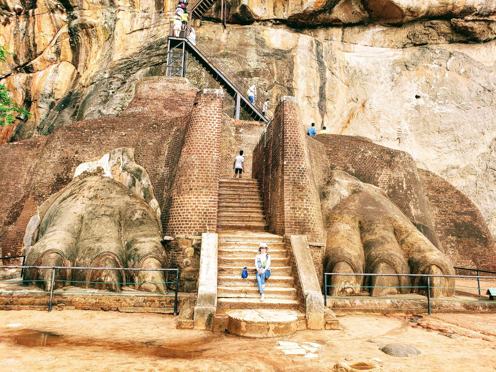 Lion's Paw Gate, Sigiriya Rock