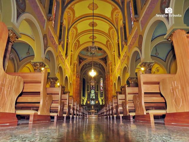 Vista artística do interior da Paróquia Santa Teresinha - Higienópolis - São Paulo