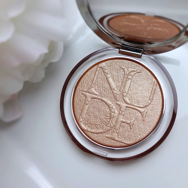 Diorskin Nude Luminizer Nude Glow review swatch