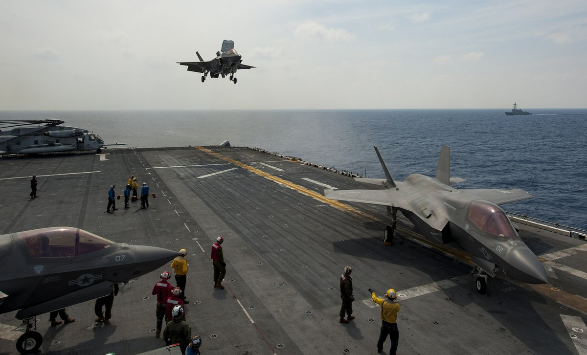 USS%2BWasp.jpg