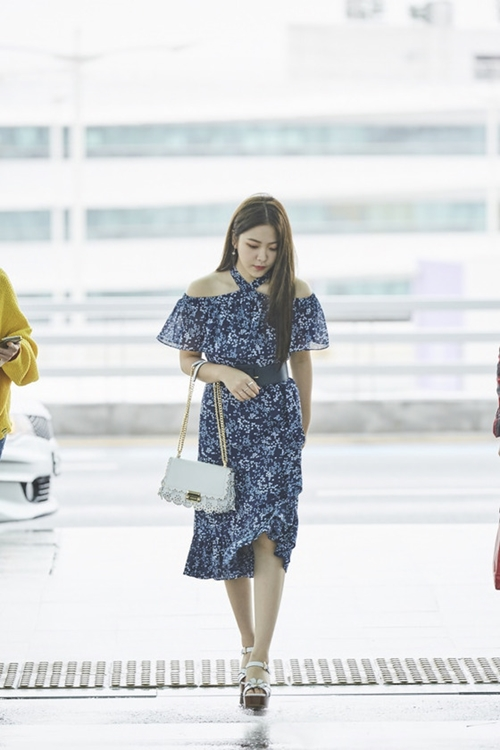 110141 134168 3450 - Redvelvet Yeri Airport Vogue