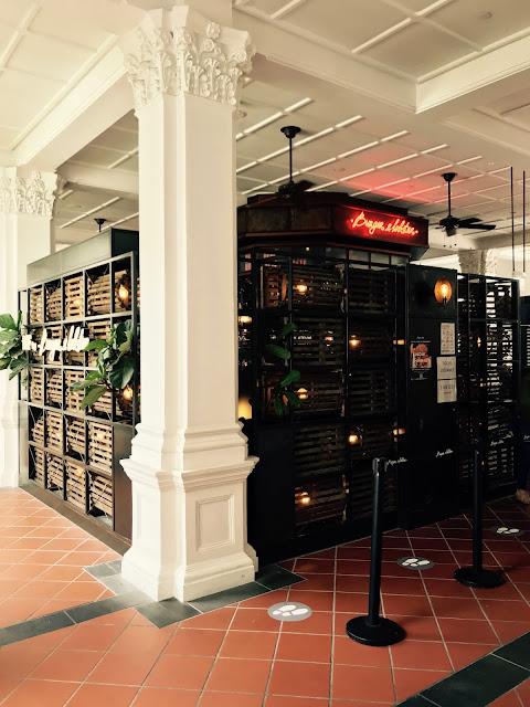 Burger & Lobster, Raffles Hotel
