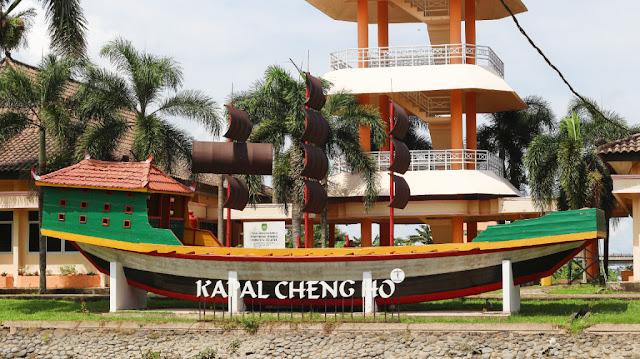 replika kapal cheng ho