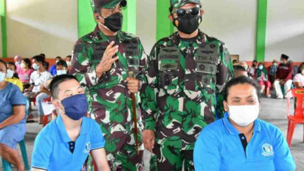 Pangdam I/BB dan Kapoldasu Beri Tali Asih ke Penyandang Disabilitas di Tapteng