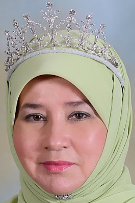 diamond tiara malaysia pahang queen tengku ampuan azizah