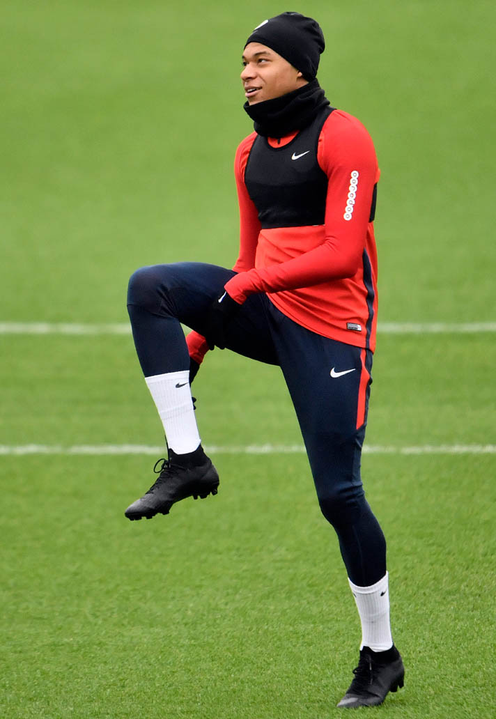 05af23ce0 Paris Saint-Germain striker Kylian Mbappe has laced up in the next-generation  Nike Mercurial Superfly 6 football boots in training recently