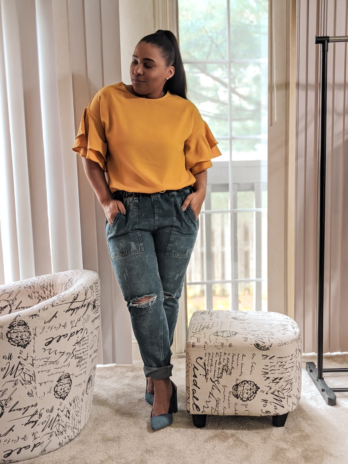 Lookbook store, stylish at home, shoedazzle shoes, denim mules, spring shoes, ruffle sleeves top, spring outfit ideas, summer outfit ideas, how to style denim