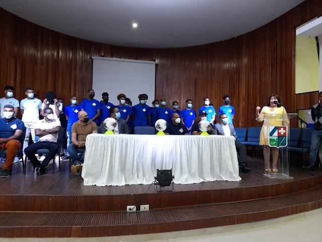 Vicealdesa Marisela Mesa despide selección San Cristóbal participa en Torneo Fútbol Sub-18