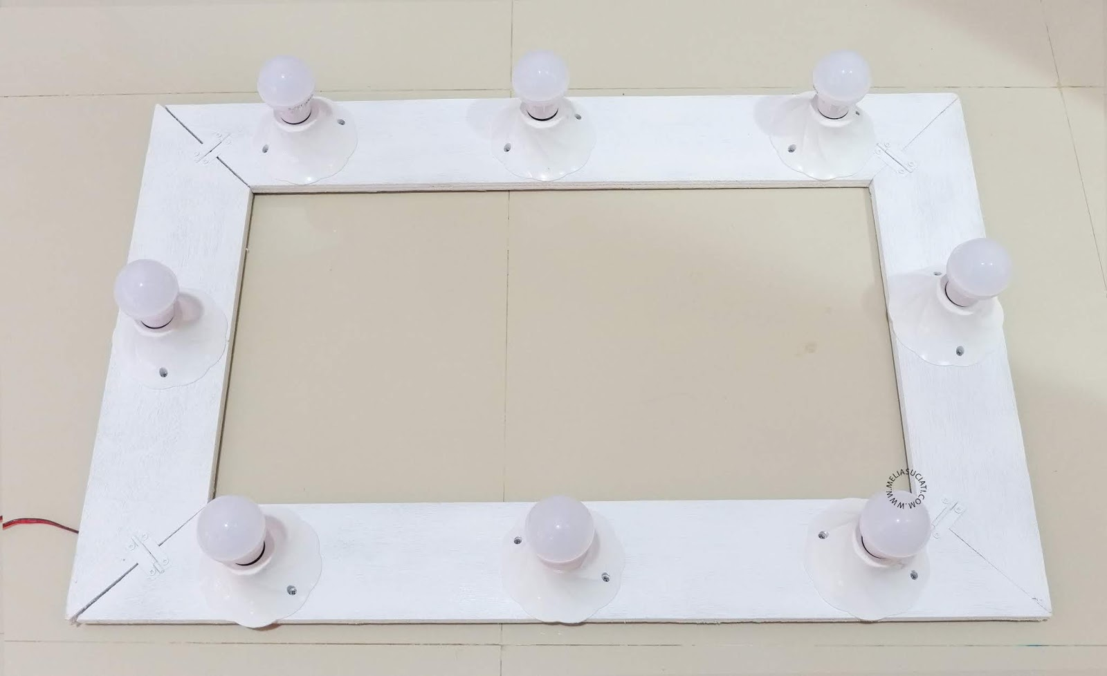 DIY Vanity Mirror Cheap and Easy