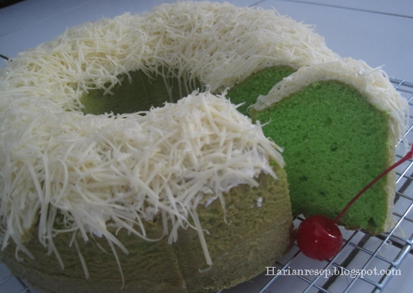 Step By Step tips Membuat Bolu Kukus Pandan