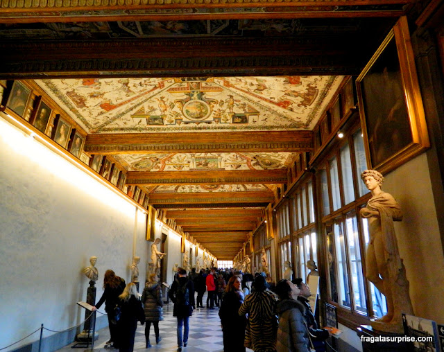 Corredor da Galleria degli Uffizi, em Florença