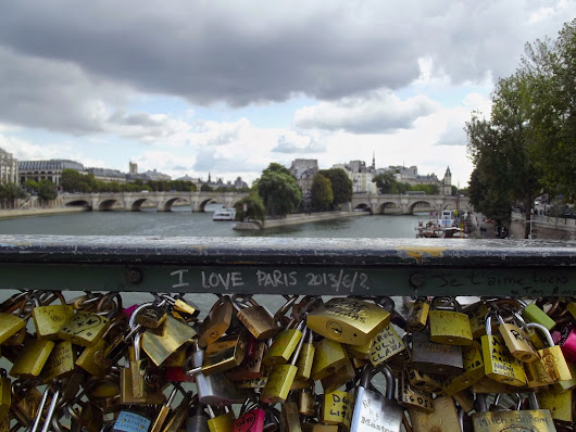 Friday Favs: GUEST POST-A Week in Paris for a Few Bucks