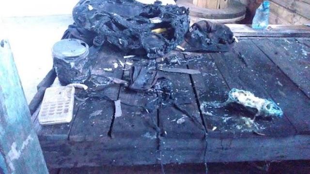 Adolescente sofre queimaduras graves após carregador de celular explodir na tomada