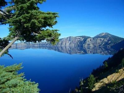 ทะเลสาบปากปล่องภูเขาไฟ (Crater Lake) @ www.wanderwisdom.com