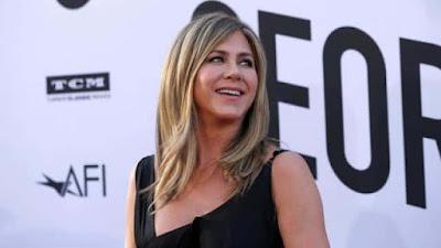 Hollywood Actress Jennifer Aniston Says No To Social Media